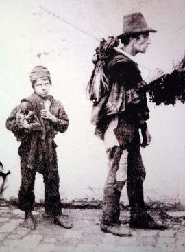 ▲ 19세기 말 굴뚝 청소부의 모습. ⓒWikimedia Commons