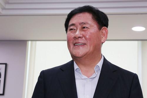 ▲ 경제부총리 겸 기획재정부 장관으로 내정된 최경환 새누리당 의원. ⓒ연합뉴스